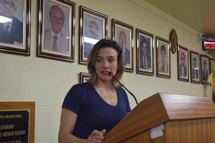 Aline Ferreira presidente do Sindicato